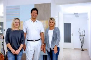 Dr. med. Kornel Varga mit Mitarbeiterinnen
